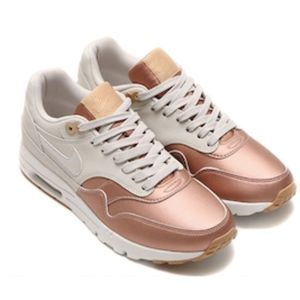 Women's Nike Air Max 1 Ultra SE (Size 7.5)